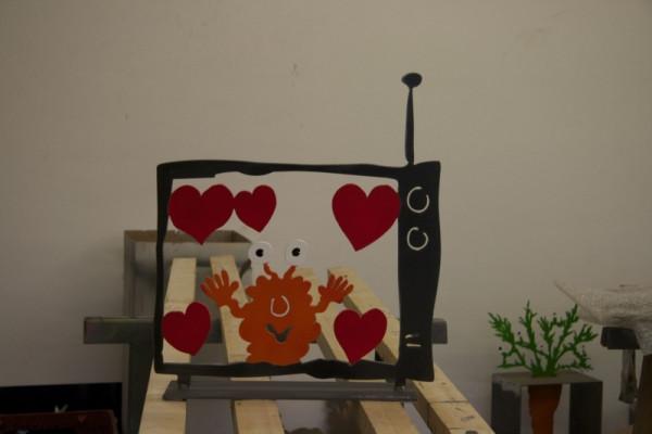 Monster-TV -Love-