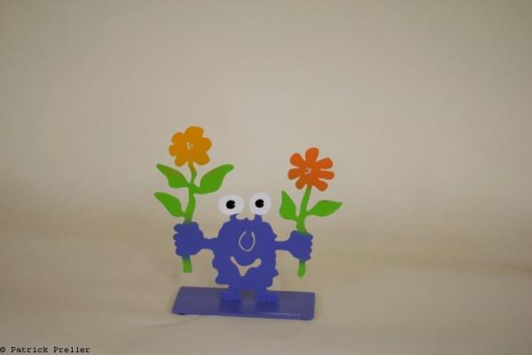 Monsterkollege mir zwei Blumen