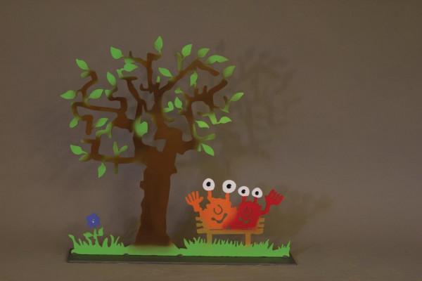 Monster unter dem Baum
